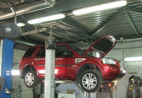 Post-warranty service in the car service Maximots 10