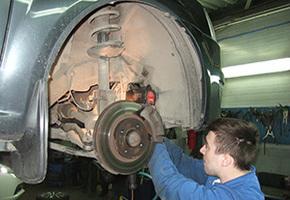 Post-warranty service in the car service Maximots 4