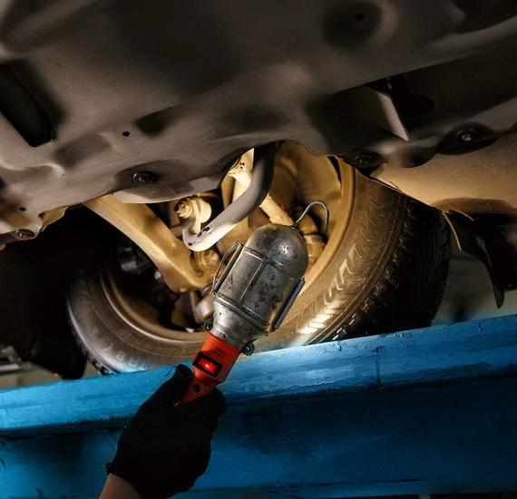 Works on the repair of steering
