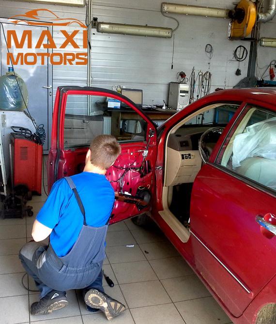 Installation of autoacoustics MaxiMotors