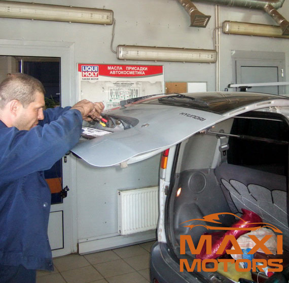 Installation of parking sensors MaxiMotors