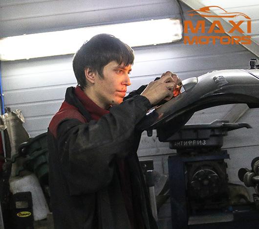 Замена лампы в Максимоторс